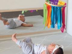 Tự làm đồ chơi cho trẻ sơ sinh và trẻ mới biết đi